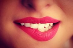 White teeth, red lips☮ via weheartit
