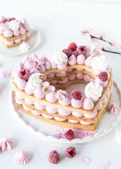 Mille Feuille Himbeeren von Emmas Lieblingsstücke – Cakes and cake recipes Food Cakes, Cupcake Cakes, Cupcakes, Pretty Cakes, Beautiful Cakes, Tart Recipes, Dessert Recipes, Comida Diy, Biscuit Cake