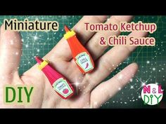 Today we're making this cute, miniature tomato ketchup & chili sauce. This is an easy method of making doll furniture using paper model. Miniature Kitchen, Miniature Dolls, Miniature Tutorials, Acrylic Paint Set, How To Make Clothes, Paper Models, Doll Furniture, Ketchup, Dollhouse Miniatures