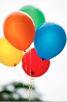 Feliz Brasil para você! #presente #natal #baloes #cores