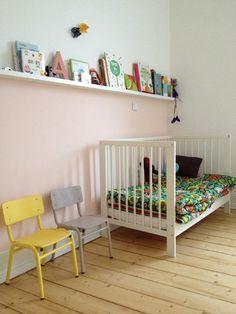 Bekijk de foto van alie.woudstra.9 met als titel handige plank boven bed en andere inspirerende plaatjes op Welke.nl.