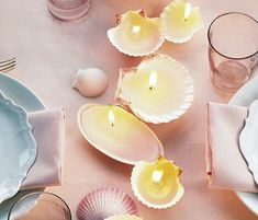 DIY Shell Project - Seashell candles! So cute and summery.