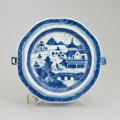 Prato Rechaud em porcelana Chinesa de Cia das Indias do sec.18th Periodo Qianlong, 23,5cm de diametro, 1,190 USD / 1,100 EUROS / 4,680 REAIS / 7,810 CHINESE YUAN soulcariocantiques.tictail.com