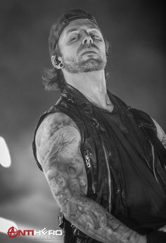 Bullet For My Valentine, The Rock, Makeup Inspiration, Jon Snow, Hot Guys, Handsome, Metal, Hawkeye, Hairstyles