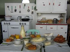 1940's Kitchen by Lushie Peach, via Flickr