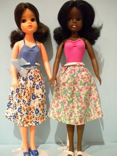 I had the Sindy doll on the left! Her name was Violetta. Sindy doll Summer - Summertime Fun 1981 - Pedigree