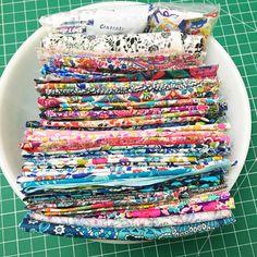 25 organizing ideas for sewing room - The Little Mushroom Cap: A Quilting Blog Sewing Room Organization, Organizing Ideas, Quilt Ladder, Scrapbook Box, Quilting Frames, Quilting Tips, Stuffed Mushroom Caps, Fabric Storage, Bobbin Storage