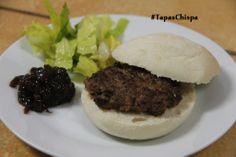 Mini hamburguesita de buey con cebollita caramelizada por #TapasChispa de la Ruta #SaboreaValencina
