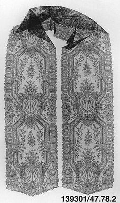 Scarf | French, Chantilly | The Met Antique Lace, Vintage Lace, Linens And Lace, Lace Making, Chantilly Lace, Bobbin Lace, Lace Design, Textiles, Lace Fabric