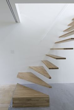 staircases-heavy/light / open risers / wooden stairs / floating stairs / minimal detail - Park House / another APARTMENT