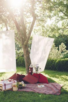 Inspirations autour du pique-nique ; champêtre, en forêt, au bord de l'eau, place à la rêverie.