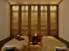 The Aman Spa treatment room, Summer Palace - Beijing, China Spa Design, Spa Interior Design, Spa Luxe, Luxury Spa, Spa Treatment Room, Spa Treatments, Window Treatments, Massage Therapy Rooms, Resorts