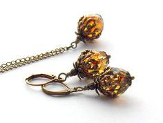 Elegantes Schmuckset, bestehend aus einer kurzen Gliederkette mit passenden Ohrringen - Ein Unikat der Perlenfontäne.