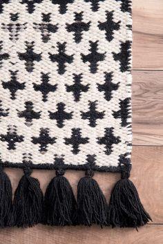 SolsticeSK01 Reversible Faded Crosses Tassel Rug