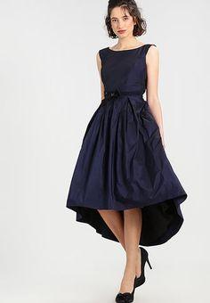 köpa klänning till bröllop
