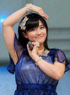 新曲の発売イベントに登場した、モーニング娘。'14の鈴木香音さん(東京都豊島区)(2014年04月16日) 【時事通信社】