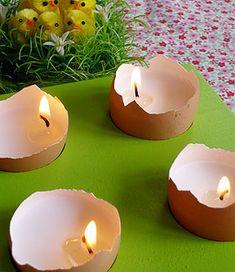 bougies dans coquilles d'oeufs