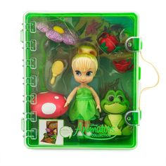 Recreate scenes of fairy fun with our enchanting Disney Animators' Collection Tinker Bell Playset! Open the exciting set to reveal a pop-up back-drop, a charming Tinker Bell mini doll, and an array of accessories. Disney Princess Toys, Barbie Princess, Baby Disney, Disney Nursery, Disney Junior, Disney Cars, Disney Animator Doll, Disney Dolls, Barbie Dolls