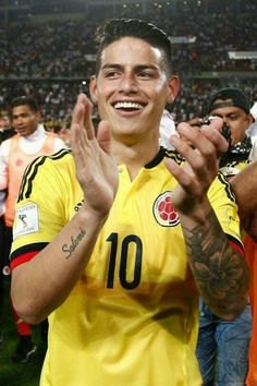 James Rodriguez of Colombia celebrates the qualifying to the World Cup Russia 2018 after the match between Peru and Colombia as part of FIFA James Rodriquez, James Rodriguez Colombia, Fifa, Tottenham Hotspur, Everton, James Rodriguez Wallpapers, Manchester United, Fc Bayern Munich, National Football Teams