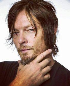 Norman Reedus-ISFP is so damn handsome in this picture.
