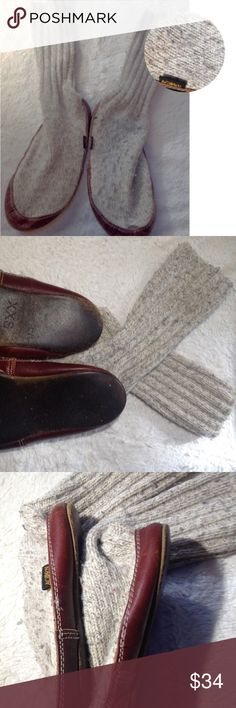 Acorn Slippers Gray Mohagony Wool Acorn Slippers mahogany trim and sole Color gray wool super nice size XXS 5-7.5 roughly feel free to ask questions perfect for fall winter Acorn Shoes Slippers