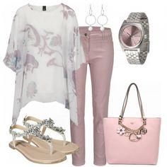 Frühlings-Outfits: Tunika bei FrauenOutfits.de #fashion #fashionista #mode #damenmode #frauenmode #frauenoutfit #damenoutfit #outfit #frühling #sommer #modetrend #trend2018 #modetrend2018 #ootd #trend #sweet