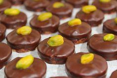 Eredeti isler recept, amihez foghatót a cukrászdában sem kapsz Das Hotel, Doughnut, Cheesecake, Pudding, Sweets, Desserts, Recipes, Food, Sweet Pastries