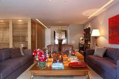 Uma decoração para um dia a dia prático. Veja: https://casadevalentina.com.br/projetos/detalhes/por-uma-rotina-pratica-529 #details #interior #design #decoracao #detalhes #decor #home #casa #design #idea #ideia #cor #color #casadevalentina #livingroom #saladeestar