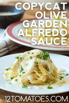 Copycat Olive Garden Alfredo Sauce Copycat Olive Garden Alfredo, Olive Garden Alfredo Sauce, Entree Recipes, Sauce Recipes, Cooking Recipes, Pasta Recipes, Homemade Alfredo, Alfredo Recipe, Restaurant Recipes