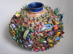 This Teacher piece by Herbert Freeman is a video capture from the previous post. Mexico has one of the richest folk art traditions in the world. One of the great folk art masters was the ceramic… Old Jewelry Crafts, Jewelry Art, Graduation Party Centerpieces, Graduation Parties, Graduation Decorations, Graduation Ideas, Graduation Gifts, Mosaic Vase, Mosaic Projects