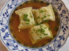 Maultaschen http://www.lecker.de/kochen/getreide/bildergalerie-457862-nudeln-und-reis-kochen/Schwaebische-Maultaschen-selber-machen.html