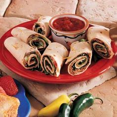 """Easy Roast Beef Roll-Ups Recipe -""""You can't beat these flavorful sandwiches seasoned with salsa,"""" promises Susan Scott of Asheville, North Carolina. """"Serve them with a green salad and tortilla chips for a cool dinner on a hot summer evening. Tortilla Roll Ups Appetizers, Roll Ups Tortilla, Tortilla Chips, Roast Beef Roll Ups, Roast Beef Salad, Cold Appetizers, Appetizer Recipes, Snack Recipes, Kitchen Recipes"""