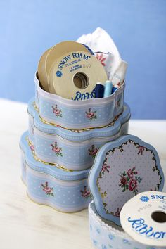 antique ribbon & box