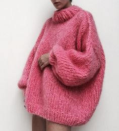 There is 0 tip to buy sweater, pink sweater, jumper, wool sweater. Help by posting a tip if you know where to get one of these clothes. Happy International Women's Day, Jumpers For Women, Womens Jumpers, Looks Style, Mode Inspiration, Mode Style, Pink Sweater, Mohair Sweater, Ladies Day