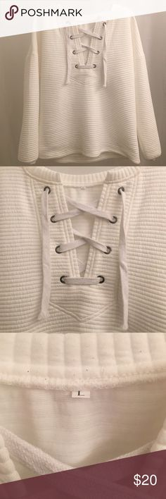 white sweater Great condition , fast shipping Sweaters V-Necks