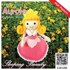 ♡. · ° ESTE ES GANCHILLO PATRÓN-NO ES UN JUGUETE ACABADO ♡. ° ·  Este patrón de Amigurumi Princesa Aurora creado por Rabbiz Design lo guiará a través de hacer 5 pulgadas alto Aurora. Este tamaño puede variar depende del hilo y ganchillo gancho tamaño utilizado.  ~~~~~~~~~~~~~~~~~~~~~~~~~~~~~~~~~~~~~~~~ ~ ♪♫ ADMISIÓN:  Se permite venta elaborados de este patrón. Pero no puede volver a producir, fotocopias, venta, distribuir ninguna parte de este patrón…