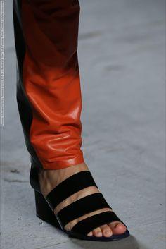 Proenza Schouler (Spring-Summer 2015) R-T-W collection at New York Fashion Week (Details)  #NewYork #ProenzaSchouler See full set - http://celebsvenue.com/proenza-schouler-spring-summer-2015-r-t-w-collection-at-new-york-fashion-week-details/