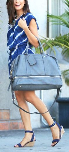 Chic travel tote with a bottom shoe compartment. The perfect carry-on bag!