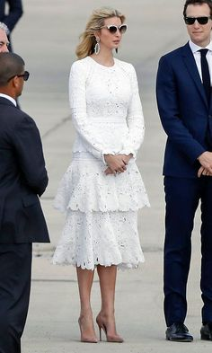 The first daughter wore a white Oscar de la Renta as departed from Ben Gurion International Airport in Tel Aviv on Air Force One in May She paired the lace, tiered dress with nude pumps and cat eye sunglasses. Ivanka Trump Photos, Ivanka Trump Style, Lace Dress, Dress Up, White Dress, Dress Work, Dot Dress, White Lace, Estilo Street