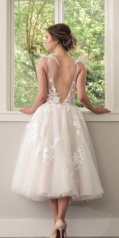 Tea length wedding dresses are invented for small and sassy brides who want a sexy look. These style of dresses will underline your features, make you. Civil Wedding Dresses, Boho Wedding Dress, Dream Wedding Dresses, Bridal Dresses, Wedding Gowns, Wedding Dresses Simple Short, Reception Dresses, Cake Wedding, Modest Wedding