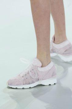 Chanel Couture Sneakers: Everything You Need to Know | StyleCaster.  Chanel-sneakers...Helt i min smak och stil!! Lite blek färg kanske...Marinblått skulle göra susen!!!