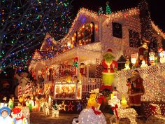 Do not forget to take inspiration for festive outdoor Christmas decoration ideas this Holiday season. Make your backyard, entrance, porch & garden, look outstanding with Christmas decorating ideas and images. Christmas Light Displays, Holiday Lights, Christmas Lights Outside, Christmas Decorations For Outside, Noel Christmas, Winter Christmas, Christmas Ideas, Christmas Houses, Christmas Porch
