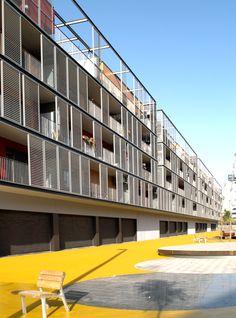 Galeria - Conjunto habitacional, comércio e estacionamentos / ONL Arquitectura…