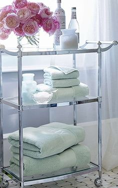 Organize Your Bath Brilliantly. Click for our tips.... | Frontgate Blog