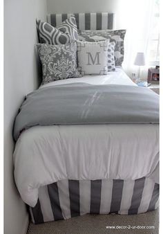 girl dorms Grey & White Delight Designer Teen & Dorm Bed in a Bag Dorm Bedding Sets, Girl Bedding, Teen Girl Bedrooms, Teen Bedroom, College Dorm Rooms, Layout, My New Room, Room Inspiration, Bedroom Decor
