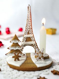 "Pic 10  Gingerbread Eiffel Tower | ""C'est fantastique!""  Brush up on your French as you marvel at this lovely little gingerbread scene (created by Hanielas.com).  