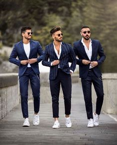 visit our website for the latest men's fashion trends products and tips . Blazer Outfits Men, Mens Fashion Blazer, Suit Fashion, Fashion Tag, Trendy Fashion, Fashion Trends, Mens Casual Suits, Stylish Mens Outfits, Formal Men Outfit