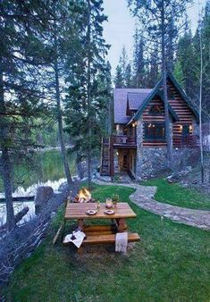 Haus Log cabin close to the lake in your good trip. Nation House A Lake Cabins, Cabins And Cottages, Beautiful Homes, Beautiful Places, Little Cabin, Log Cabin Homes, Cabins In The Woods, My Dream Home, Future House