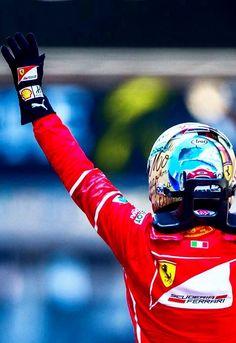 2017/5/29:Twitter:@peterjfoxf1:With the helmet to match #SebastianVettel wins a fantastic #monacogp #F1 #ferrari #arai