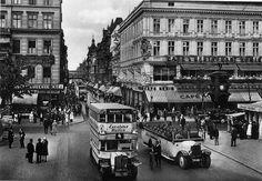 Unter den Linden ecke Friedrichstrasse.. Cafe Konig.. 1925